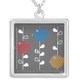 Pájaros de un collar de la licencia