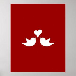Pájaros del amor con el corazón que casan póster