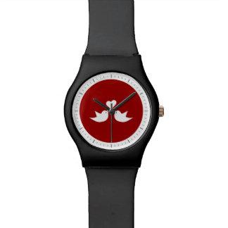 Pájaros del amor con el corazón que casan reloj de mano
