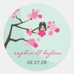 pájaros del amor de las flores de cerezo del etiquetas redondas