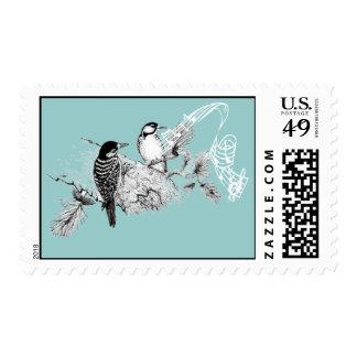 Pájaros del amor del vintage que casan la franqueo