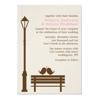 Pájaros del amor en el boda del banco de parque invitación 12,7 x 17,8 cm
