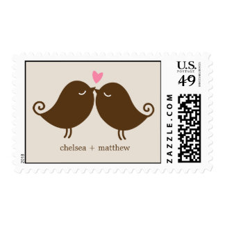 Pájaros del amor en el boda del banco de parque sellos