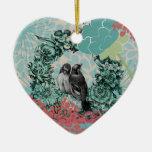 Pájaros del amor en el recuerdo de encargo del cor adorno de reyes