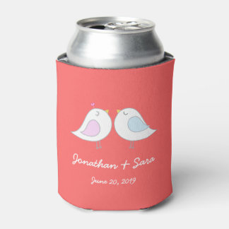 Pájaros del amor en el rosa, casandose enfriador de latas