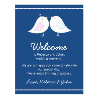 Pájaros del amor en tarjeta de la recepción del postal