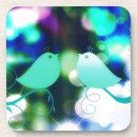Pájaros del amor posavasos de bebida