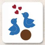 Pájaros del amor posavasos de bebidas