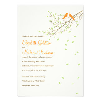 Pájaros del amor que casan la invitación en naranj