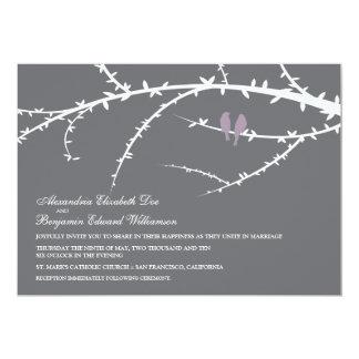 Pájaros del amor que casan la invitación (lavanda)