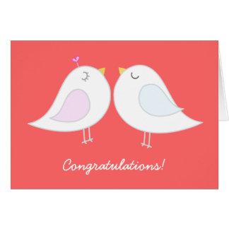 Pájaros del amor que casan la tarjeta de la