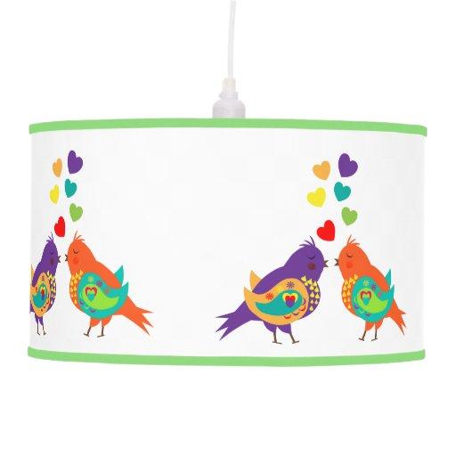 Pájaros del amor y lámparas caprichosos lindos de