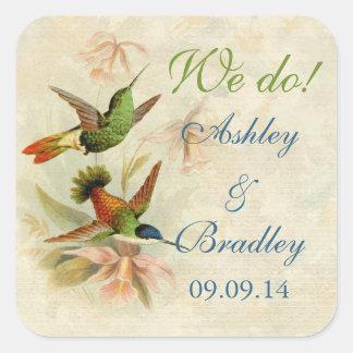 Pájaros del colibrí que casan el sello del sobre pegatina cuadrada