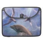 Pájaros del delfín y del salto fundas macbook pro