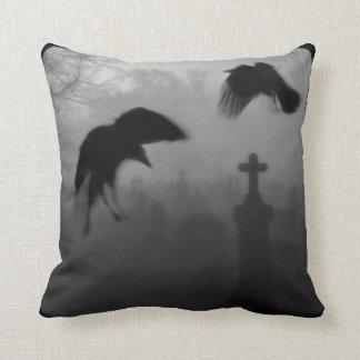 Pájaros del gótico almohadas