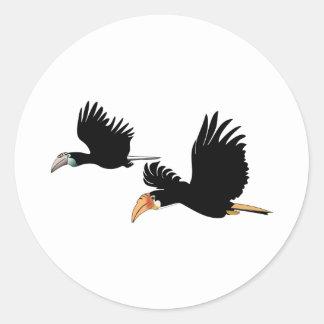 Pájaros del hornbill de Blyth - el símbolo del Pegatina Redonda