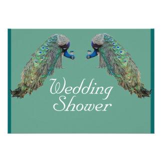 Pájaros del pavo real que casan la invitación de l