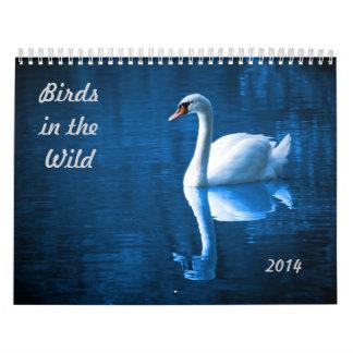 Pájaros en el salvaje calendario de pared