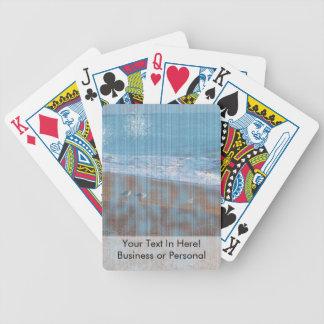 pájaros en imagen grunged playa de la orilla de cartas de juego