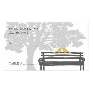 Pájaros en tarjetas de parque del banco de un asie plantilla de tarjeta de visita