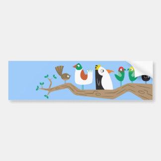 Pájaros en un árbol etiqueta de parachoque