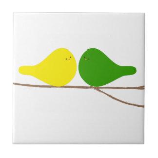 Pájaros en una rama azulejo cuadrado pequeño