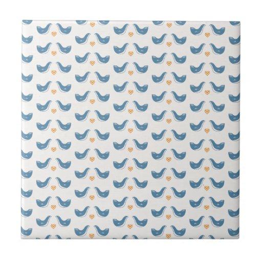 Pájaros escandinavos en el tema del jardín tejas  ceramicas