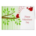 Pájaros felices del amor del el día de San Valentí Tarjetón
