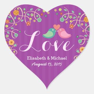 Pájaros florales del amor del remolino púrpura del pegatina en forma de corazón