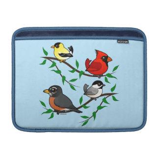 Pájaros lindos del patio trasero funda para macbook air