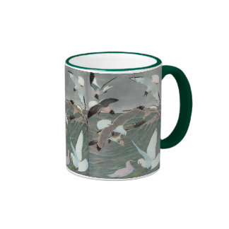 Pájaros marinos del vintage, gaviotas que vuelan taza de café