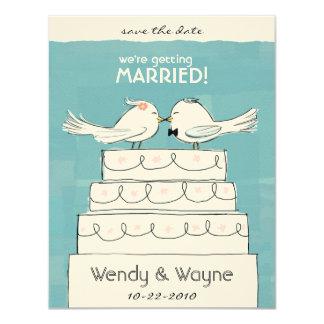Pájaros novia del pastel de bodas y invitación del