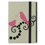 Pájaros, puntos, corazón, ramas, remolinos - rosa iPad mini protector