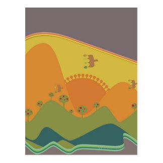 Pájaros que vuelan sobre las montañas en un tradic postales