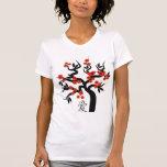 Pájaros rojos del amor en símbolo chino del amor camisetas