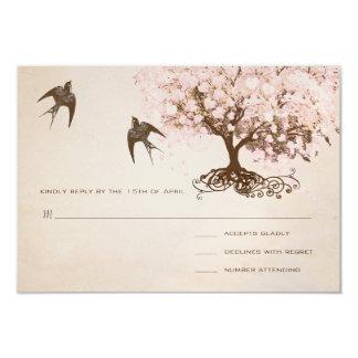 """Pájaros rosados brumosos del amor del árbol de la invitación 3.5"""" x 5"""""""
