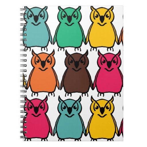 Pájaros salvajes del búho de los animales felices  cuaderno