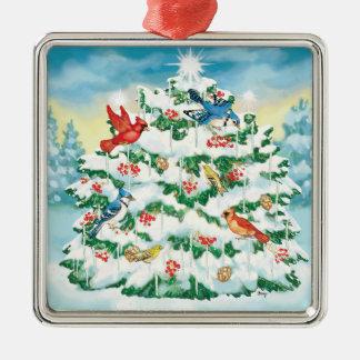 Pájaros salvajes en naturaleza con el árbol de adorno navideño cuadrado de metal