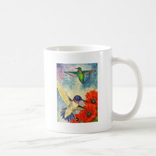Pájaros y amapolas del tarareo taza básica blanca
