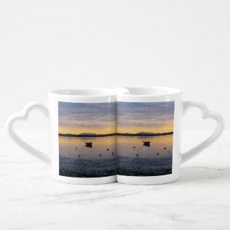 Pájaros y barco de mar tazas amorosas