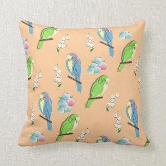 Pájaros y estampado de flores exóticos lindos de D Cojin