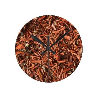 Pajote del cedro rojo con ruina reloj de pared