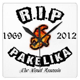 Pakelika Tribute Square Clock