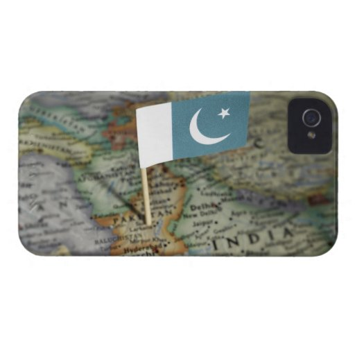 Pakistan flag in map iPhone 4 cases