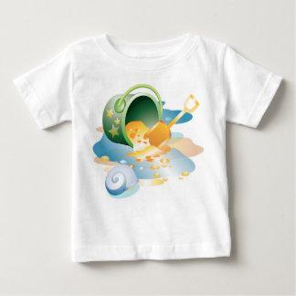 Pala del KRW y la camisa del niño del cubo