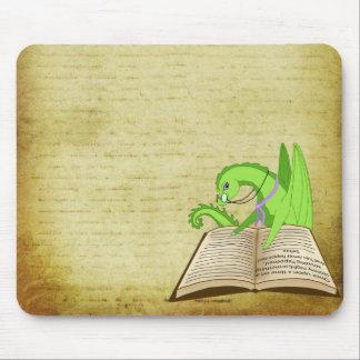 Palabra del dragón tapetes de ratón