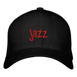 Palabra del jazz en el gorra de béisbol negro
