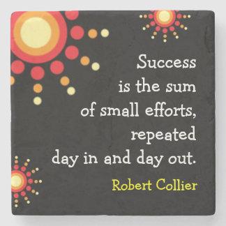 Palabras de motivación de la cita del éxito posavasos de piedra