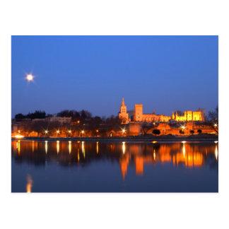Palace de papa en Aviñón y el río Rhone en Tarjeta Postal