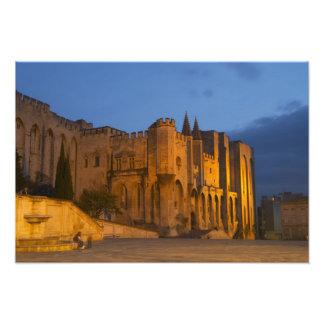 Palace del papa en Aviñón en la puesta del sol. Co Fotografias